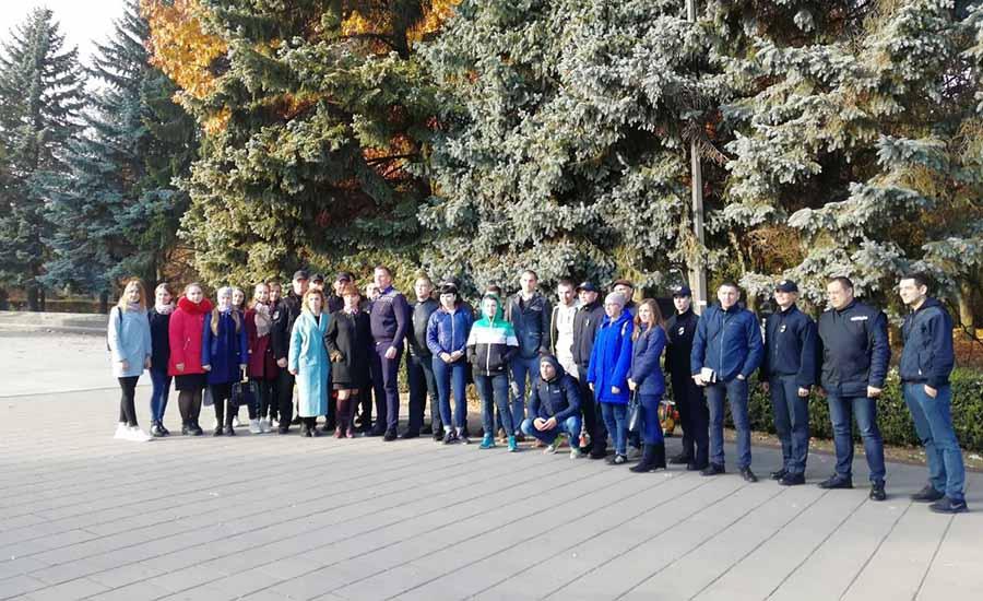 Центр Здоровой Молодежи - Украина Смехотерапия в формации «IMPROVE LIVE SHOW»