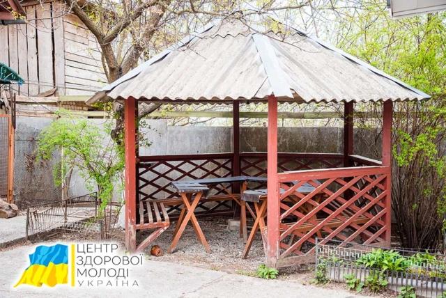 Реабилитационный центр в Чернигове - беседка
